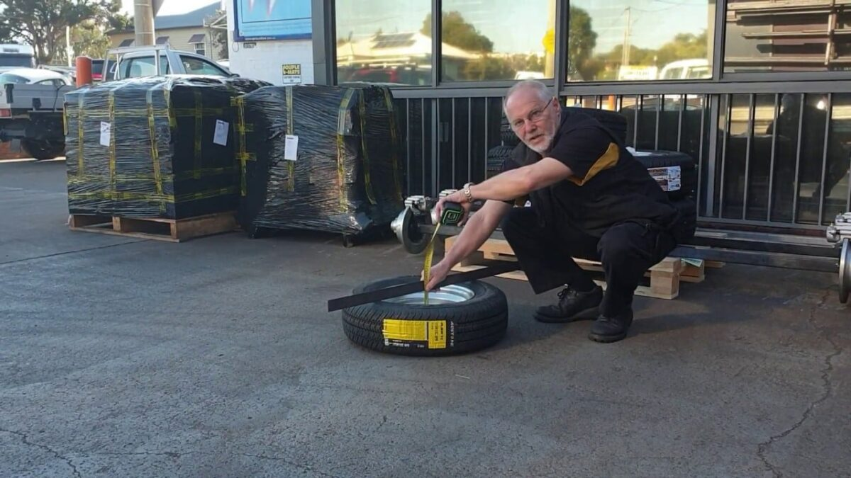 How to measure Rim and Tyre Backspace